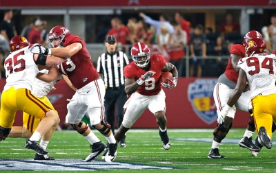 Freshman Jonah Williams thriving as key member of Crimson Tide offensive line (via Crimson Magazine)