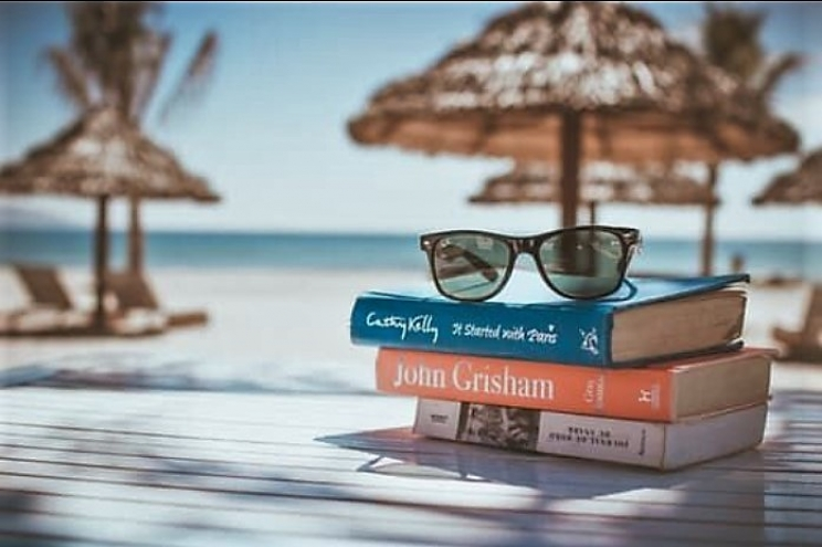 Perfect Beach Reads to Pack for Your Sandy Vacation Daze