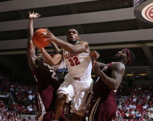 Crimson Tide senior leader Retin Obasohan collects trio of prestigious SEC honors (via Crimson Magazine)