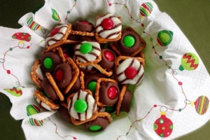 Holiday Recipes: Mistletoe Kisses