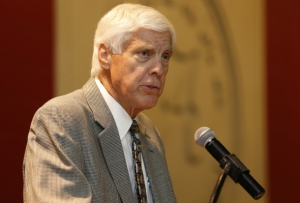 Director of Athletics Bill Battle Completes Treatment; Expects to Return Soon